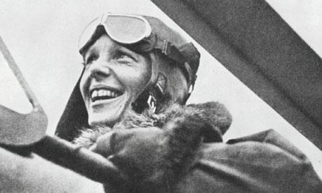 American-pilot-Amelia-Ear-007